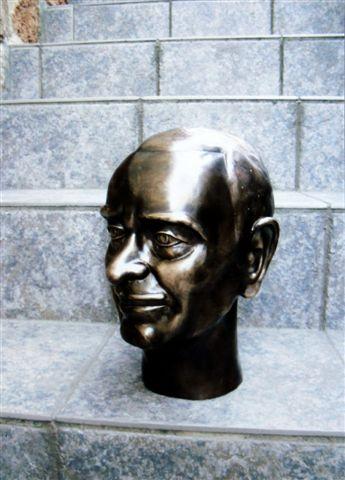 Rodolfo bronzportré